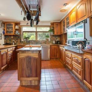 kitchen1-17Bright