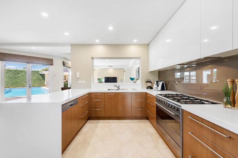 10-Kitchen